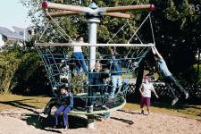 Hally-Gally Raumkapsel Spielplatzgeräte Karussell Raumkapsel Kletternetz Drehplatt