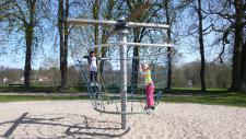 Hally-Gally Spielplatzgeräte Karussell Kletter-Rondell Kletterkarussell Drehturm