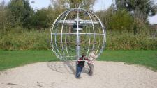 Hally-Gally Spogg Spielplatzgeräte Skylab Karussell Klettergerüst Seilgerüst Huck