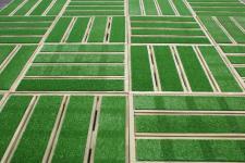 180 Stück Terrassenfliesen Holz mit Kunstrasen 40 x 40 cm kesseldruckimprägnierte Holzfliesen / Balkonfliesen