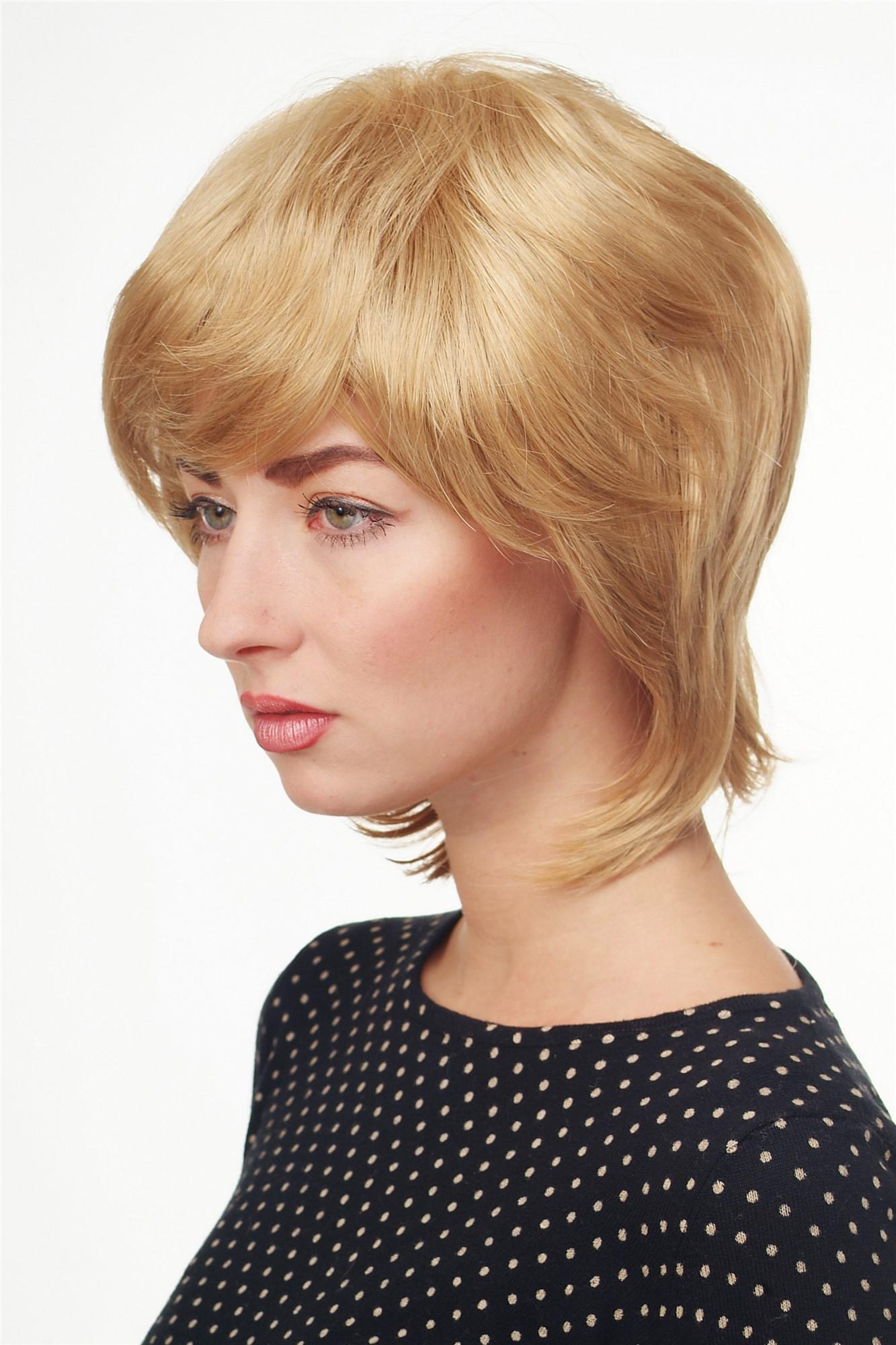 Blonder Kurzhaarfrisur
