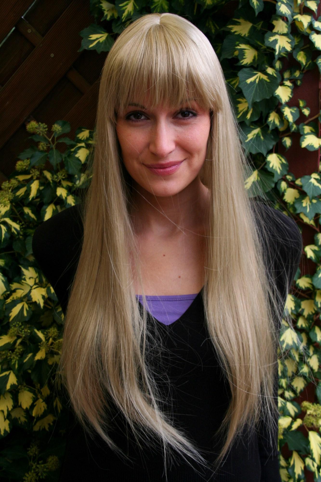 Mittellange haare mit pony blond