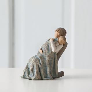 Von Liebe umhüllt The Quilt Figur von Willow Tree