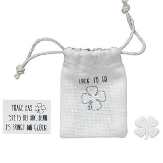 Herzstücke Kleine Tasche mit Kleeblatt Glücksbringer von Räder Design