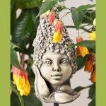Blumenkind Flieder Gartenfigur Zauberblume