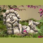 Blütentroll Maiglöckchen Gartenfigur Betonguss von Zauberblume
