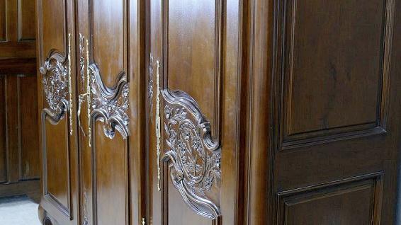 Kleiderschrank brown Walnuss Mahagoni massiv ein Traum 3 Türen - Vorschau 5