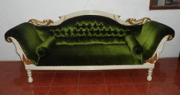 Genießen Sie traumhafte Stunden - wunderschöne Ottomane Couch Recamiere Mahagoni