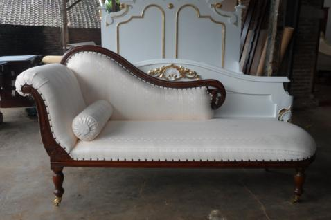 Stets ein Hingucker - Recamiere Ottomane Couch aus massivem Mahagoni - Vorschau 2