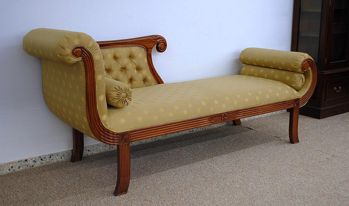 recamiere ottomane unterschied finest interessant ottomane recamiere unterschied mit bettkasten. Black Bedroom Furniture Sets. Home Design Ideas