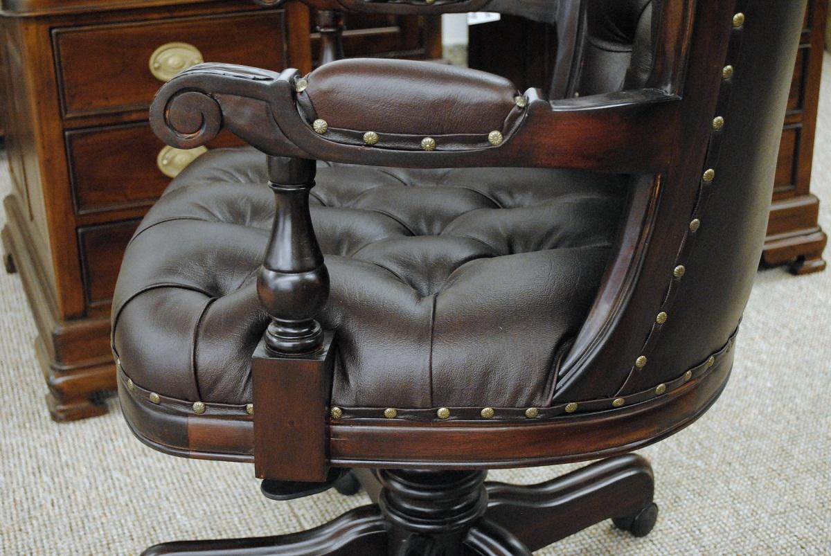 englischer b rosessel chefsessel mahagoni rot echtleder dunkelbraun premiumqualit t kaufen. Black Bedroom Furniture Sets. Home Design Ideas