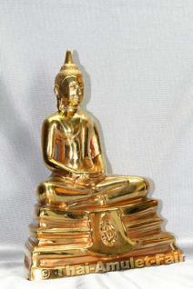 Geweihte Buddha Statue aus Thai Tempel. Phra Bucha Luang Pho Sothon (Luang Pho Phra Phutta Sothon) Nuea Thong Lueang Thai Buddha Statue des ehrwürdigen Luang Pho Kaweerat (Phra Khru Samut Kaweerat), Abt des Wat Satthayalai, Chonburi, Thailand. - Vorschau 3
