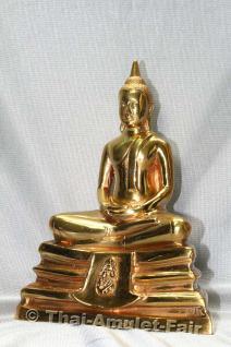 Geweihte Buddha Statue aus Thai Tempel. Phra Bucha Luang Pho Sothon (Luang Pho Phra Phutta Sothon) Nuea Thong Lueang Thai Buddha Statue des ehrwürdigen Luang Pho Kaweerat (Phra Khru Samut Kaweerat), Abt des Wat Satthayalai, Chonburi, Thailand. - Vorschau 4