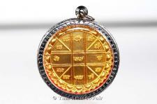 Geweihtes Thai Amulett aus dem Wat Traimit, dem Tempel des goldenen Buddhas in Bangkok, Thailand