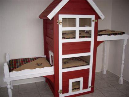 katzenhaus kratzbaum katzenturm rot kaufen bei ronalds. Black Bedroom Furniture Sets. Home Design Ideas