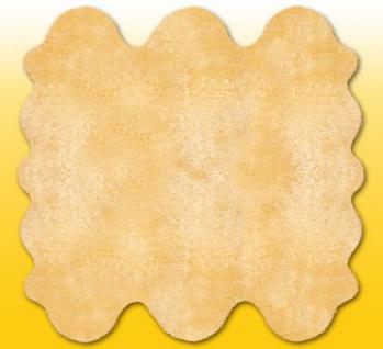 Fellteppiche beige gefärbt aus 6 Lammfellen, Größe ca. 185 x 180 cm, 30 Grad waschbar