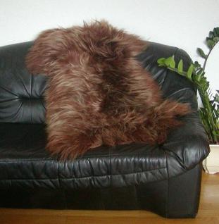 langhaariges dekoratives Nordlandschnuckenfell braun gefärbt, seidiges Wollvlies, ca. 115x75 cm, Haarlänge ca. 15 cm