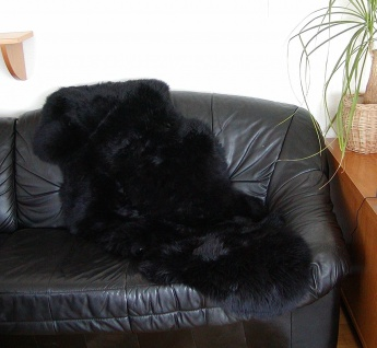 Chamier australische Doppel Lammfelle aus 1, 5 Fellen schwarz, Haarlänge ca. 5...
