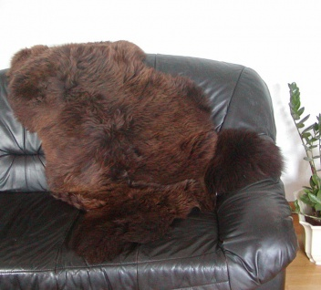 große englische Lammfelle naturbraun, Haarlänge ca. 70-100 mm, ca. 110 cm lang
