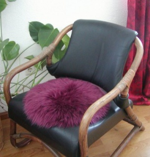 runde Sitzauflage aus australischen Lammfellen, Fellkissen beere, Ø ca. 45 cm, waschbar, Haarlänge ca. 70 mm