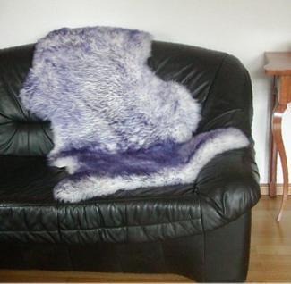 Natur Lammfell weiß mit violetten Spitzen, ökologische Gerbung mit Alaun, pflanzlich gebleicht, waschbar, ca. 115 cm