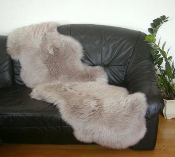 australische Doppel Lammfelle aus 2 Fellen taupe gefärbt, vollwollig, Haarlänge ca. 70 mm, 30 Grad waschbar, ca. 175x63 cm
