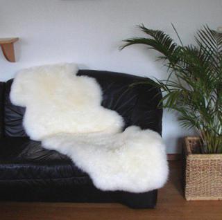 australische Doppel Lammfelle aus 2 Fellen naturweiß, voll waschbar, ca. 175x63 cm