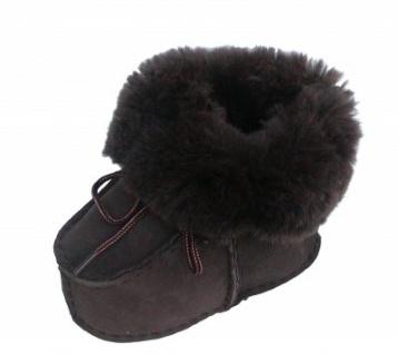 warme Lammfell Babyschuhe dunkelbraun mit Fellkragen und Kordel, Gerbung ohne schädliche Stoffe, Gr. 17-18 - Vorschau 1