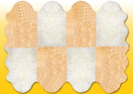 Fellteppiche naturweiß-beige aus 8 Lammfellen, Größe ca. 185 x 235 cm, 30 Grad...