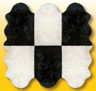 Fellteppiche naturweiß-schwarz aus 6 Lammfellen, Größe ca. 185 x 180 cm, 30 Grad waschbar