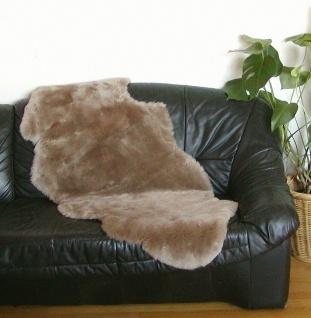 australische Doppel Lammfelle aus 1, 5 Fellen beigebraun gefärbt geschoren, Ha...