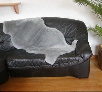 australische Doppel Lammfelle aus 1, 5 Fellen grau gefärbt geschoren, voll waschbar, ca. 160x60 cm