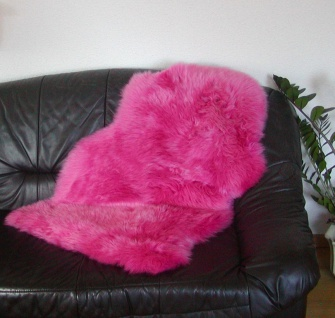 australische Lammfelle pink gefärbt waschbar, Haarlänge ca. 70 mm, ca. 100x68 cm