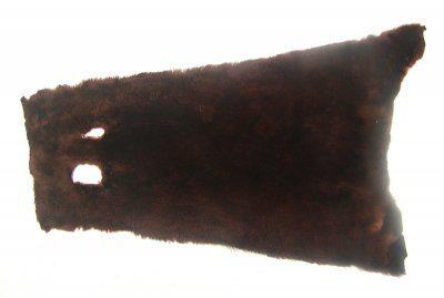 weiches Nutriafell rotbraun gefärbt für Bekleidung, Fellkragen, Pelzmanschetten, ca. 45 cm lang, 27 cm breit