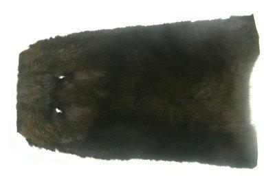 weiches Nutriafell olive gefärbt für Bekleidung, Fellkragen, Pelzmanschetten, ca. 45 cm lang, 27 cm breit