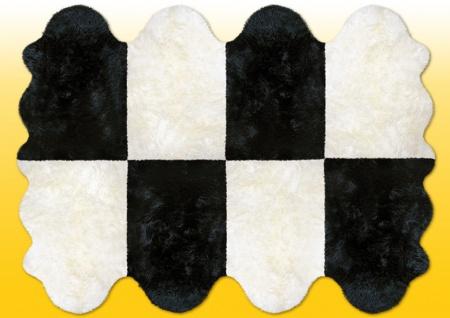 Fellteppiche naturweiß-schwarz aus 8 Lammfellen, Größe ca. 185 x 235 cm, 30 G...