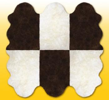 Fellteppiche naturweiß-braun aus 6 Lammfellen, Größe ca. 185 x 180 cm, 30 Grad waschbar