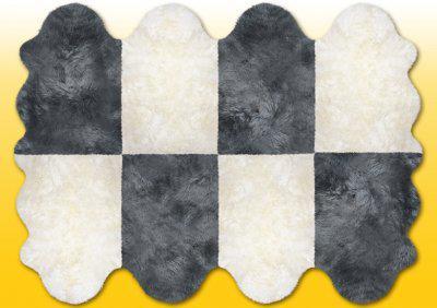 Fellteppiche naturweiß-grau aus 8 Lammfellen, Größe ca. 185 x 235 cm, 30 Grad waschbar