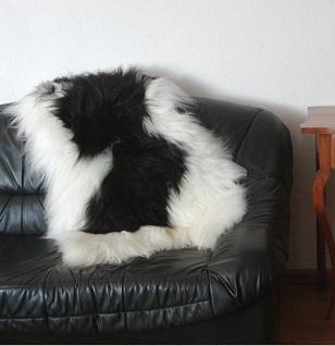 große wuschlige Nordlandschnuckenfelle schwarz-weiß, Haarlänge ca. 15 cm, ca....
