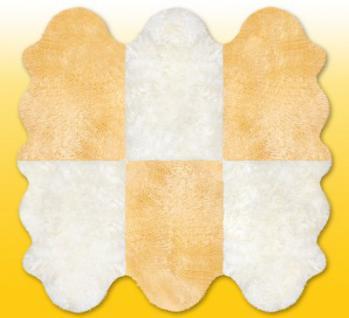 Fellteppiche naturweiß-beige aus 6 Lammfellen, Größe ca. 185 x 180 cm, 30 Grad waschbar