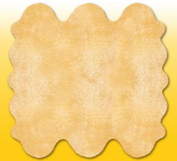 Fellteppiche beige gefärbt aus 6 Lammfellen, Größe ca. 185 x 180 cm, 30 Grad ...