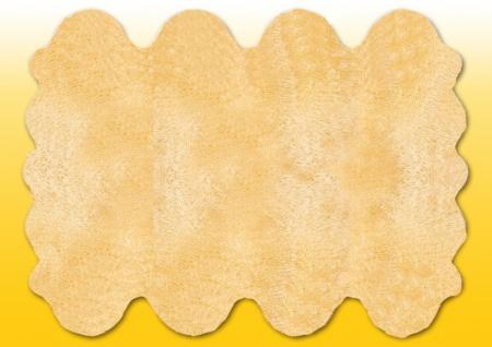 Fellteppiche beige gefärbt aus 8 Lammfellen, Größe ca. 185 x 235 cm, 30 Grad w...