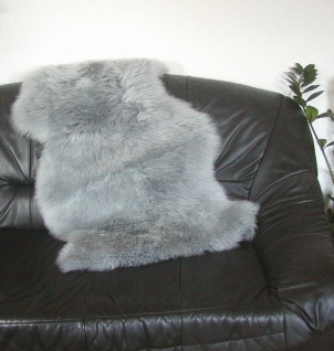 australische Lammfelle grau gefärbt waschbar, Haarlänge ca. 70 mm, ca. 100x68 cm