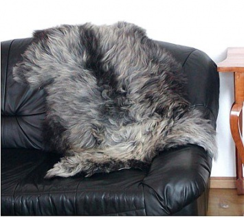 langhaariges Heidschnuckenfell grau meliert ca. 105x65 cm, Haarlänge ca. 15 cm