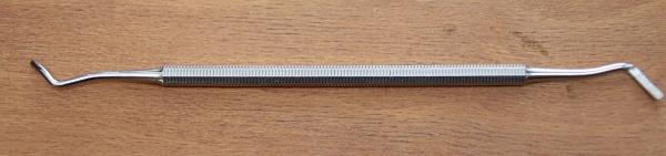Tamponade-und Wattestopfer. Eckenheber für die Nagel-und Fußpflege. doppelendig. 17.0 cm