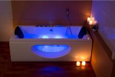 Luxus Whirlpool Badewanne Samurai Profi CHAMPAGNER mit 26 Massage Düsen + LED + Heizung + Ozon für Bad