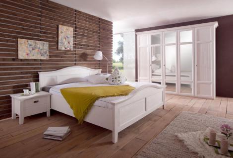Schlafzimmer Christa im Landhausstil in weiss Pinie Massiv
