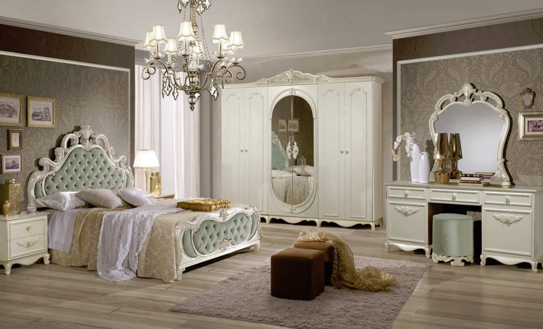 Schlafzimmer Set Atene in Creme Vintage Grün im Königlichen Stil ...