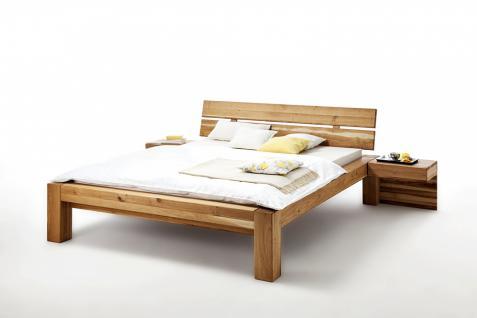 Schlafzimmerbett Fynn 180x200 in Kernbuche