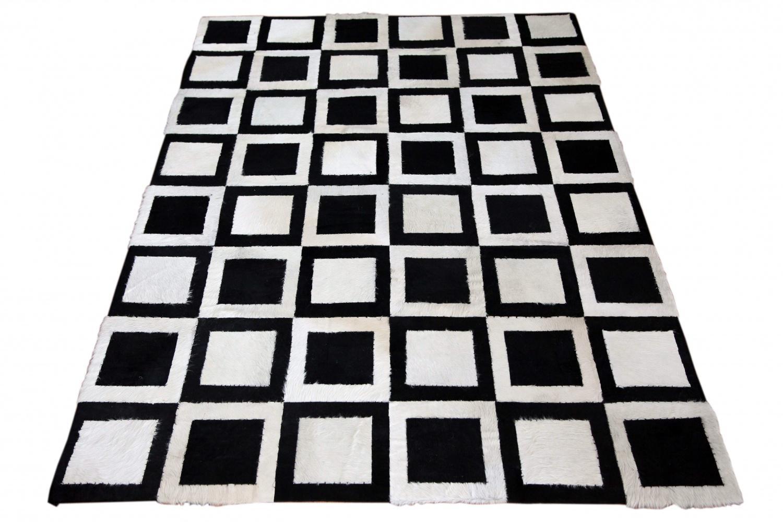 Inspirierend Kuh Teppich Dekoration Von Kuhfell Minor Schwarz Und Weiß Gefärbt 1